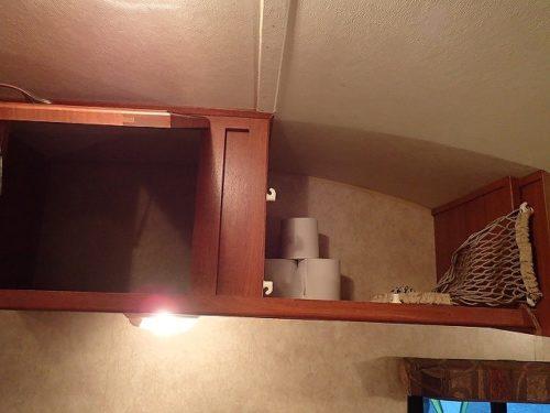 キッチンの上の棚